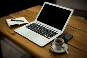 Tempo di crisi Inizia a lavorare e guadagnare con un sito web 1